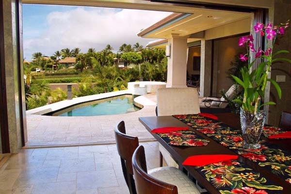 bright decorating colors for hawaiian decor