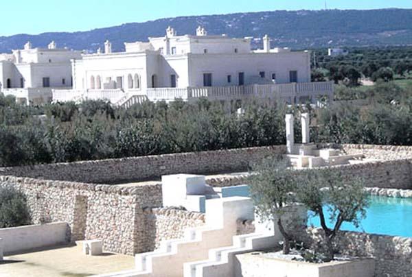 white-decorating-color-italian-style-borgo-egnazia-hotel (16)