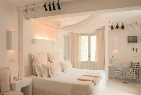 White decorating ideas from borgo egnazia hotel italian for Bedroom ideas hotel style