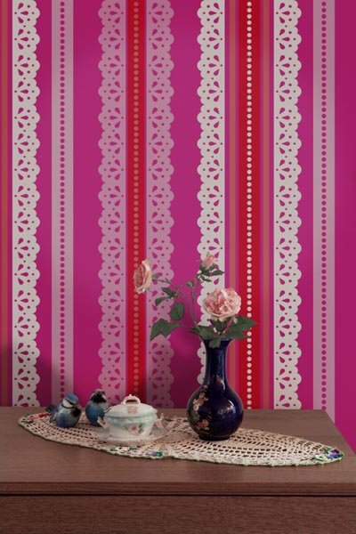 lace wallpaper pattern in pink, red and white colors
