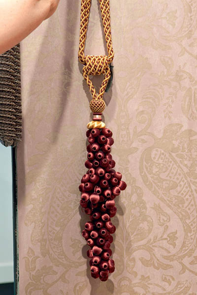 room decor accessories in red and golden colors