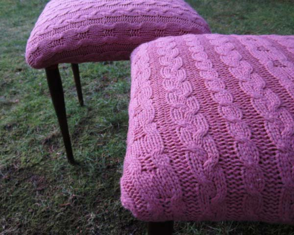 stool with knitted fabric in purple color