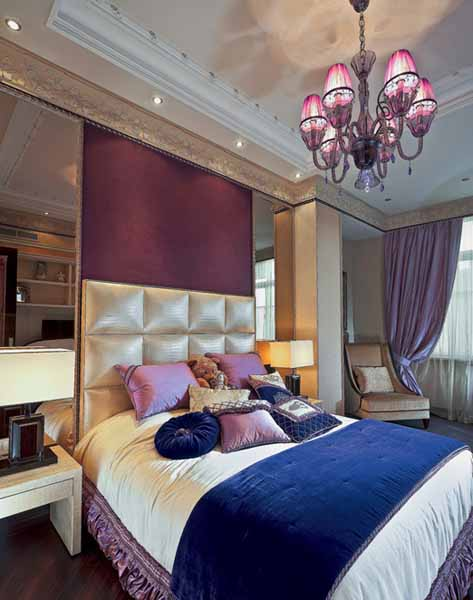 bedroom decor in blue and purple colors