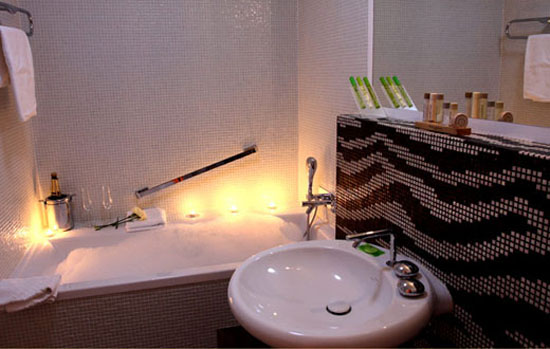 retro bathroom design with wall tiles