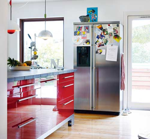 retro decor, red kitchen cabinet