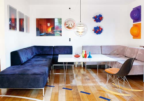 blue sofa and white coffee table for retro decor