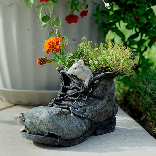 old boot with flowers