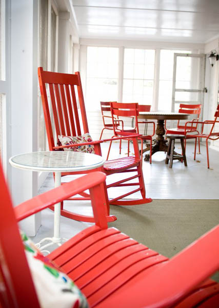 red chairs and white coffee table