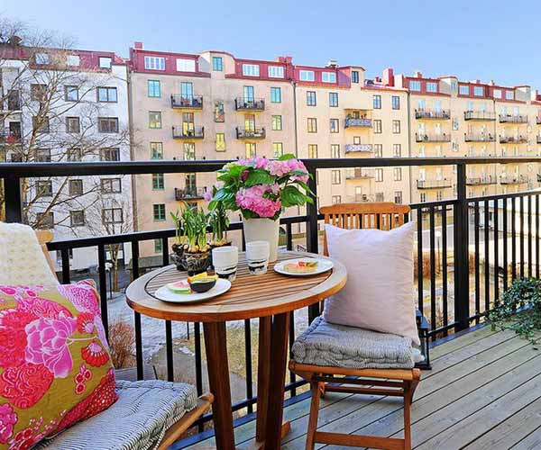 15 Charming Decorating Ideas For Your Balcony Spring