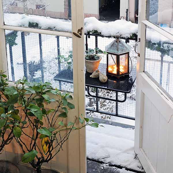 Spring Home Decor Design Ideas: 15 Charming Decorating Ideas For Your Balcony, Spring