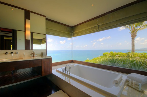 bathroom design with corner window