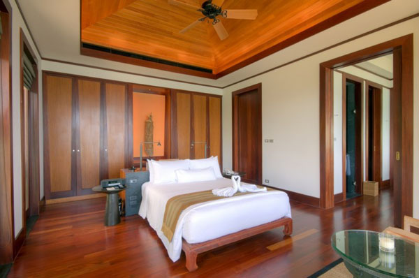 bedroom design with wooden ceiling