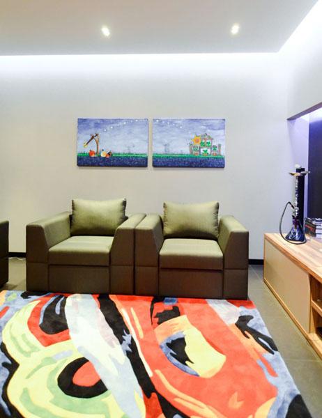 bright floor rug for modern living room design