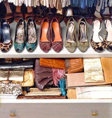 40 handbag storage solutions and home organizers for small - Como guardar los bolsos ...