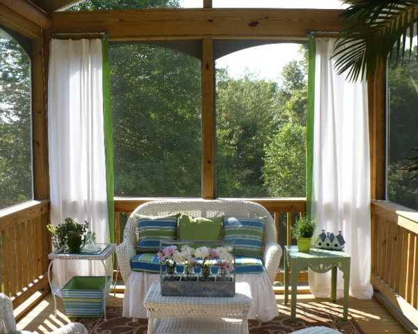 Beautiful Summer Decorating Ideas, White Curtains And Outdoor Furniture  With Blue Green Decorative Pillows
