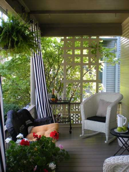 Outdoor curtains for porch and patio designs 22 summer for Idea deco guijarro exterior