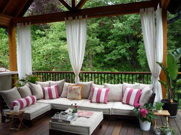 Outdoor Curtains for Porch and Patio Designs, 22 Summer ... on Backyard Patio Decorating Ideas id=64055