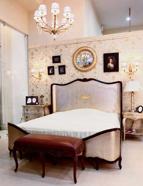 modern bedroom colors beautiful wallpapers and furnishings in classic style - Classic Bedroom Decorating Ideas