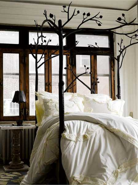 white and brown colors for bedroom decorating