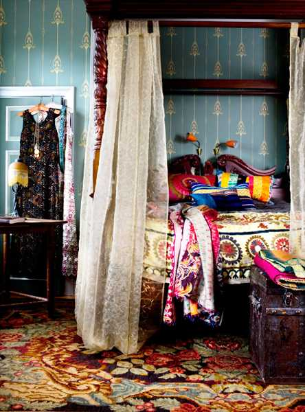 Colorfull Bohemian Style Apartment Of Cécile Figuette: Boho Chic Home Decor, 25 Bohemian Interior Decorating Ideas