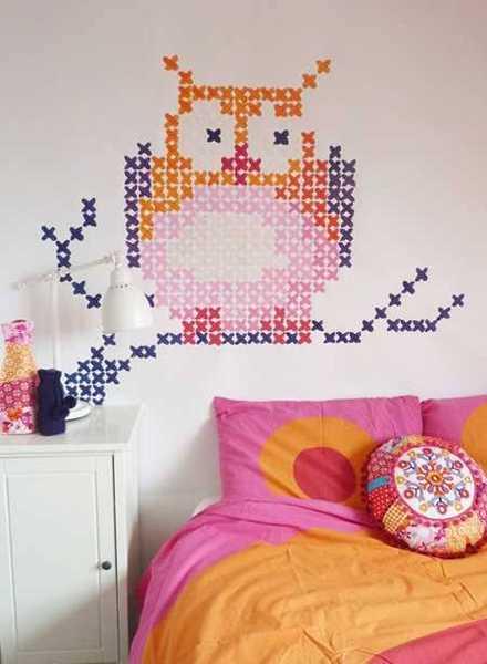 bird image made with cross stitch pattern