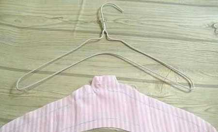 Diy Padded Hangers For Your Closets Simple Craft Ideas
