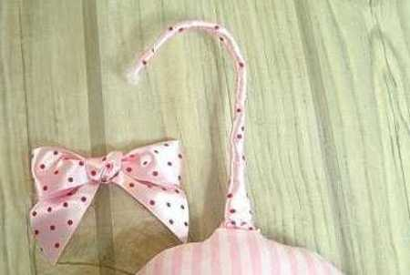 DIY Padded Hangers for Your Closets, Simple Craft Ideas