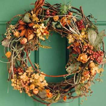 15 Diy Fall Wreaths With Fresh And Dried Fall Flowers