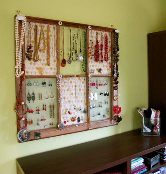 wall decorating with jewelry organizer