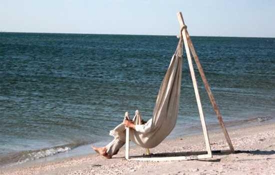 Hammock Chair by Yurii Cegla Brings Simplicity into Outdoor