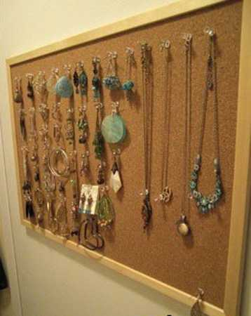 repurposing cork board for jewelry organizer