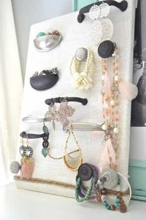 recycling kitchen cabinet door for jewelry organizer