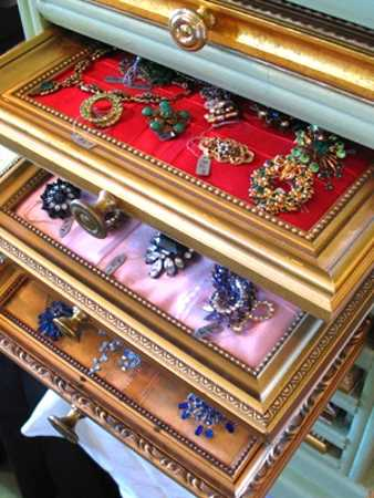 recycling picture frames for jewelry organizers