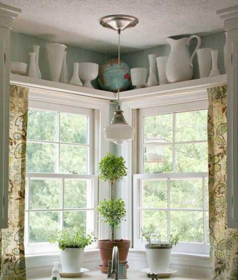 kitchen shelves decorating in vintage style