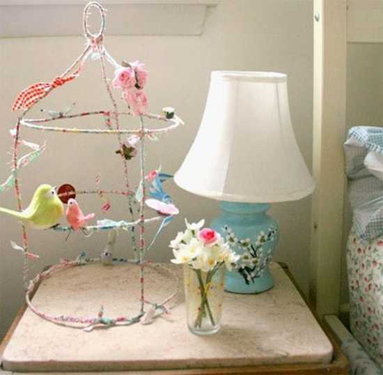 colorful bird decorations and table lamp