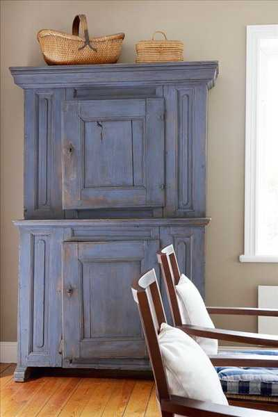 blue painted wood furniture for kitchen or dining room decorating