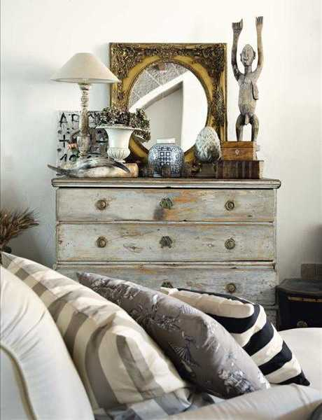vintage bedroom furniture and shabby chic mirror