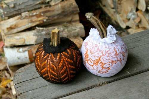 handmade halloween party decorations mini pumpkins in lace bags