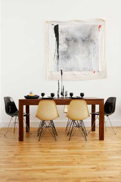 black and white decorating for dining room