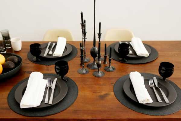 black tableware for dining room decorating