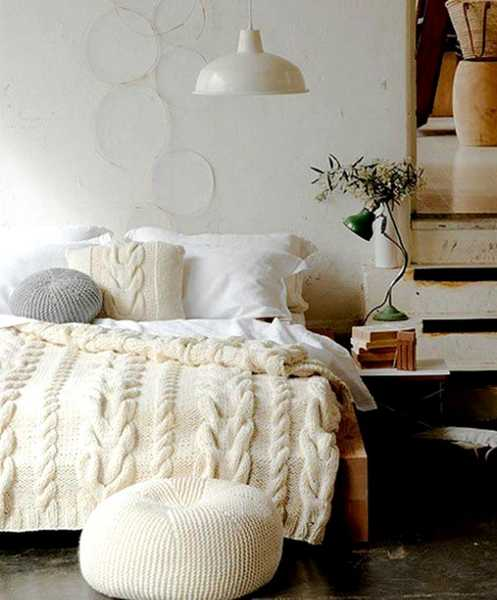 knitted bedding for stylish bedroom decorating