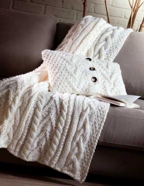 knitted throw and pillow