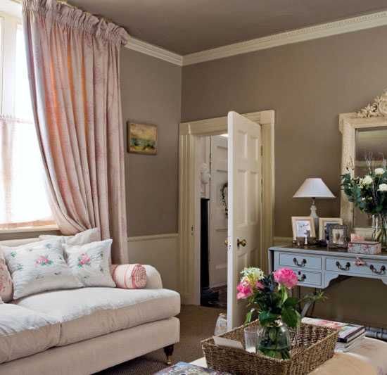 Brown interior colors and comfortable interior decorating ideas