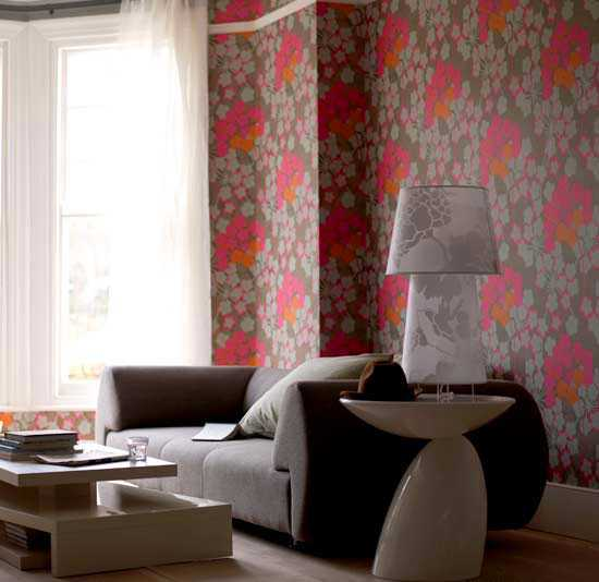 pink and brown wallpaper with floral pattern for living room decorating