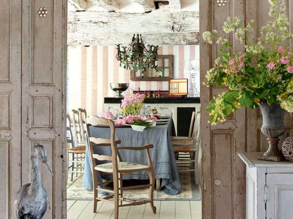 French Country Home Decorating With Flowers