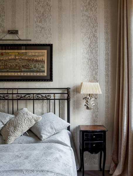 bedroom decor in neutral color scheme