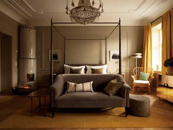 Elegant subtle interior decorating ideas in chic vintage style for Vintage hotel decor