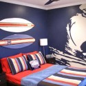 surfing themed bedroom decorating in red and blue colors