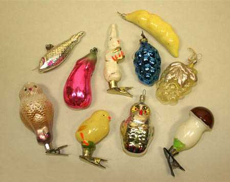 vintage christmas tree decorations with pins