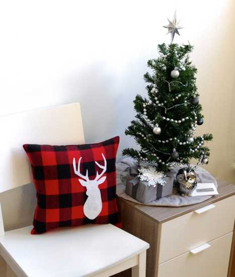 christmas decorating accessories, pillows with deer applique